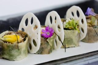 Maitake mushroom & tofu harumaki