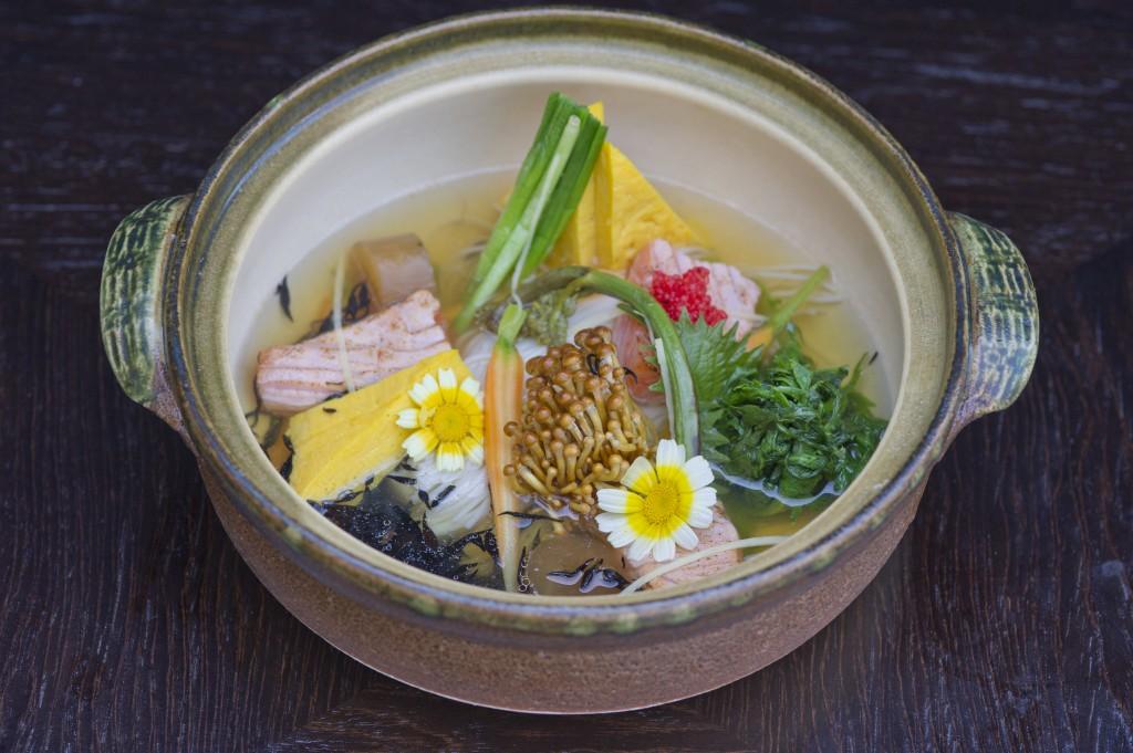 Salmon sukiyaki somen noodles